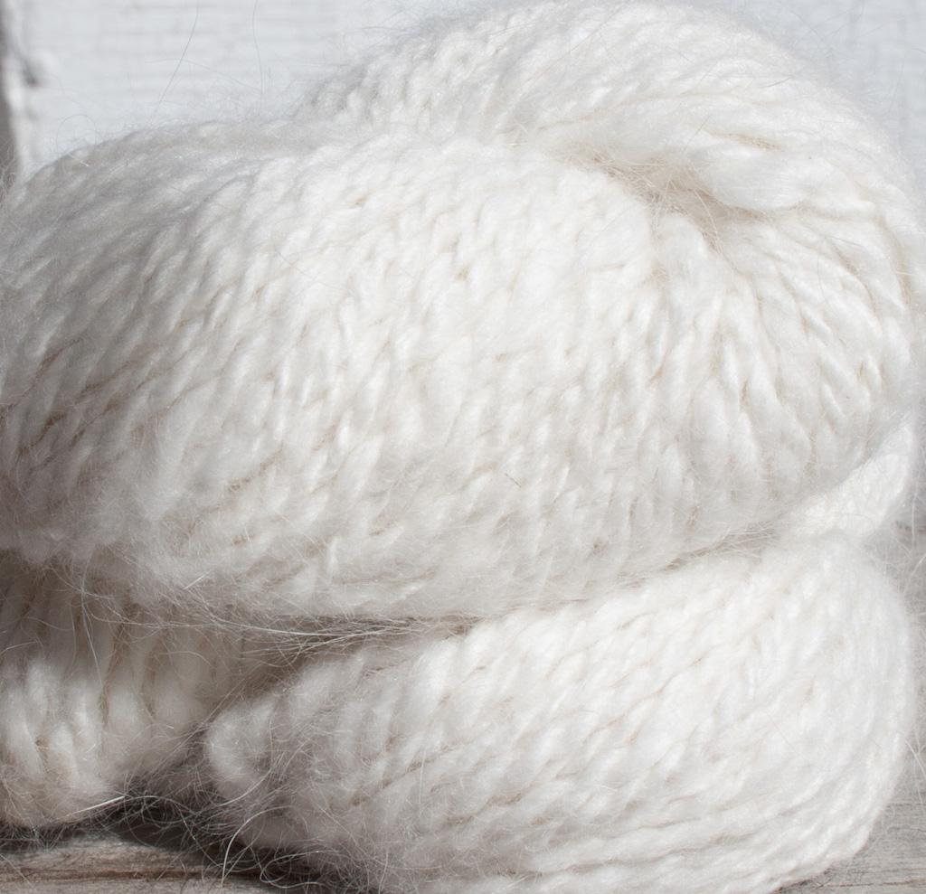 Angora Yarn : ... Fibers ? Angora ? Custom Handspun Angora & Merino Lambswool Yarn