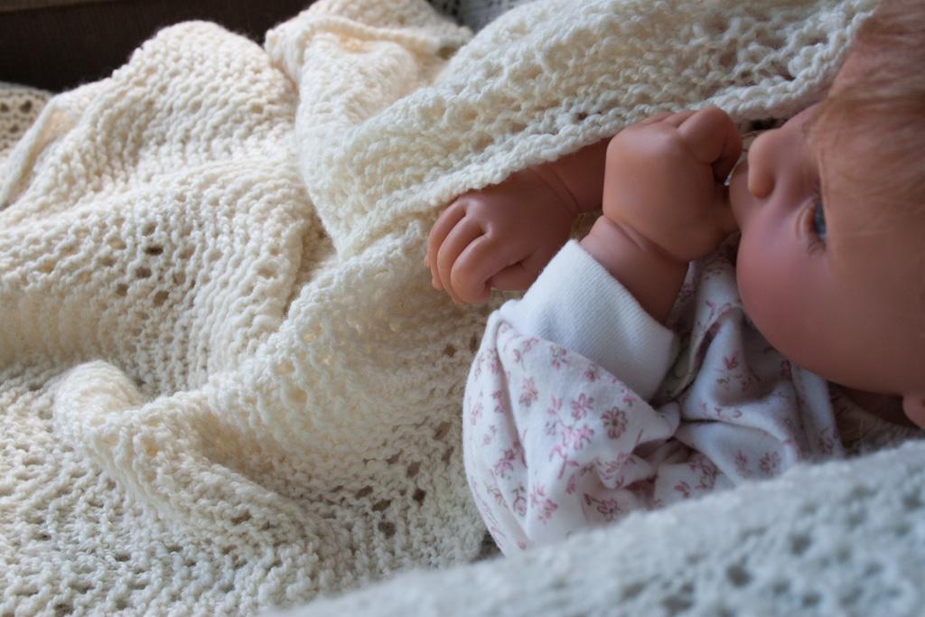 Handspun Handknit Old Shale Lace Baby Blanket Nancy